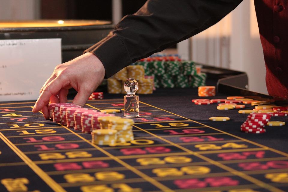 BlackRain79 Poker Tips : คาสิโนออนไลน์ Steal the Blinds A lot